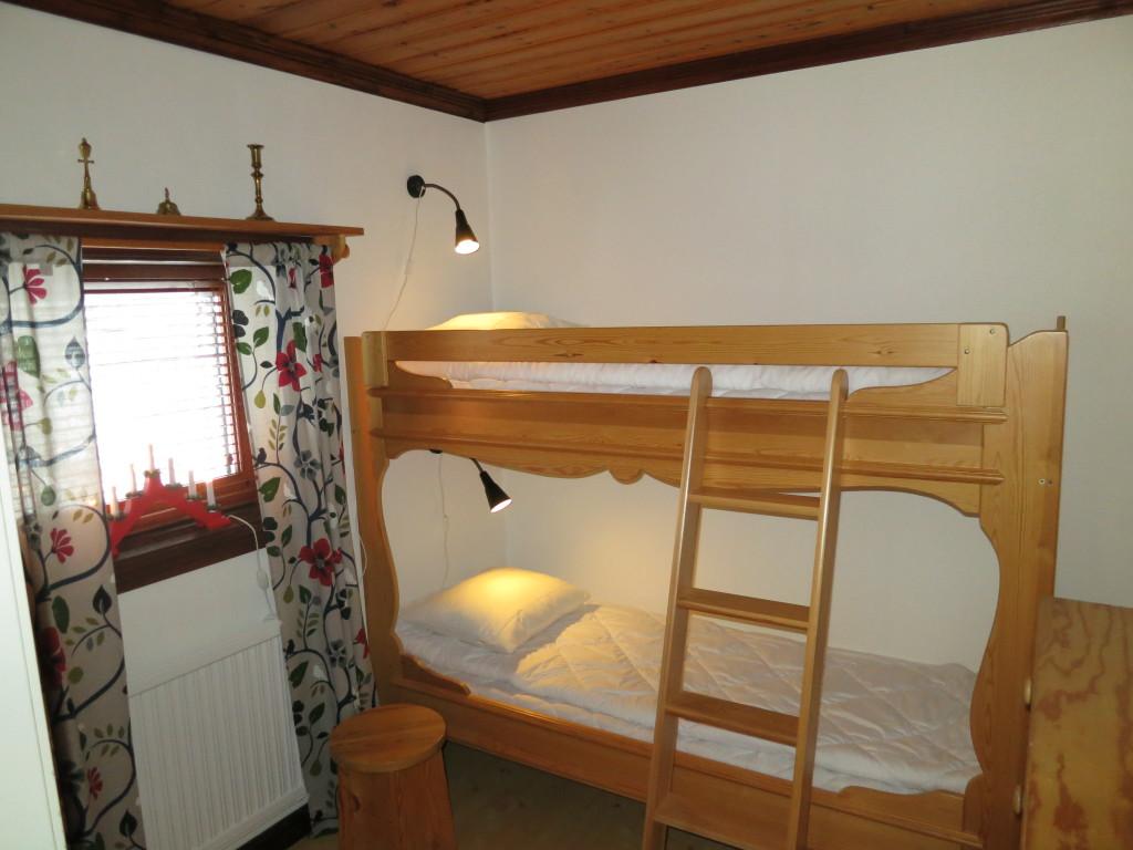 Sovrum 2 med dala våningssäng